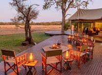 Rhino Walking Safaris: Plains Camp and Sleep Out