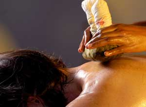 Ayurvedic massage at SwaSwara